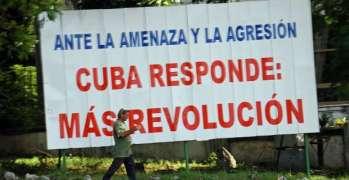 134000-15_cuba_-_havana_vedado_-_revolution_slogan.jpg