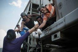 migrants-21482529570