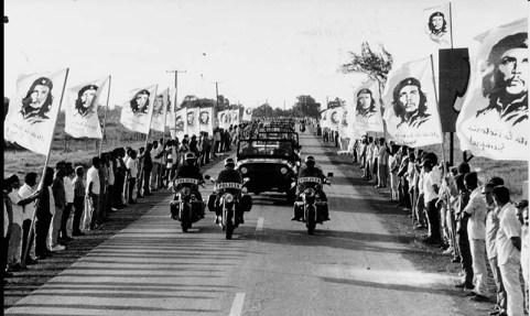 Che-motorcade-Cuba-1997
