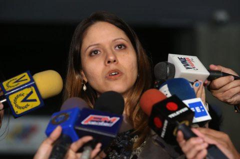CNE-La-directora-de-la-oficina-Nacional-Electoral-Amelia-Alter.x43795-1200x799