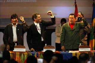 cumbre-de-ecuador_afrodescendientes-e-indigenas_chavez_evo_correa.jpg